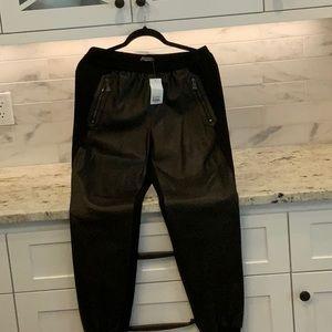 Vince NWT size medium black jogger Lamb leather